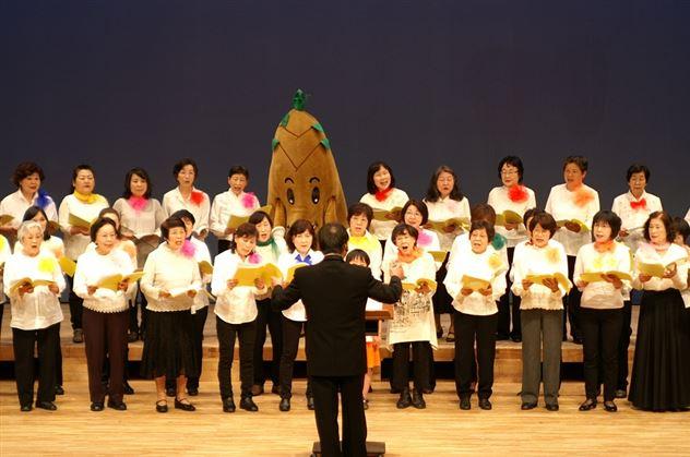 7枚目ステージ上で大合唱