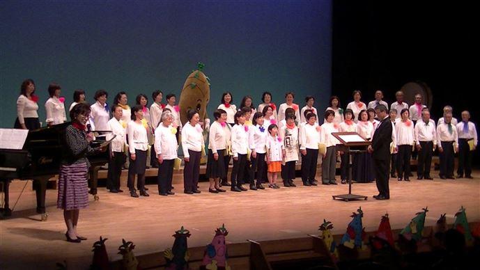 8枚目ステージ上で大合唱