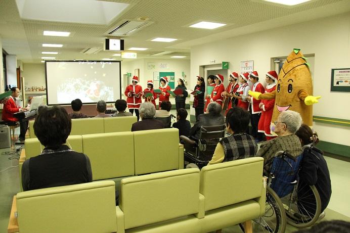 34枚目_ヴィーブルくん、みんなとクリスマスソングを合唱する