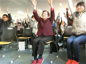 百歳体操坂本さん4