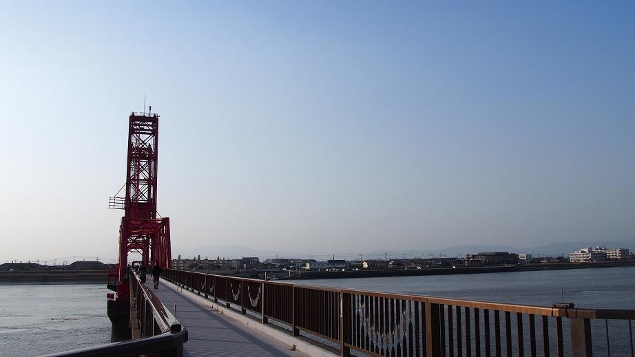 14枚目_ヴィーブルくん、筑後川昇開橋を視察する